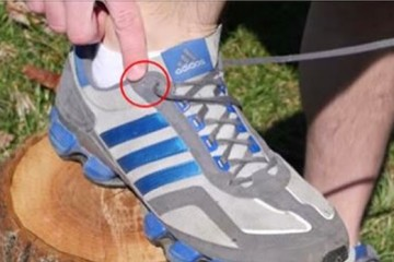 You Have To See What This Extra Shoelace Hole Is For